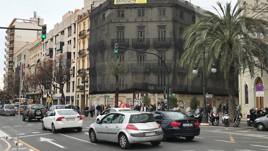 El edificio de las Corts que adquirió al Arzobispado de Valencia y que se encuentra en ruinas.
