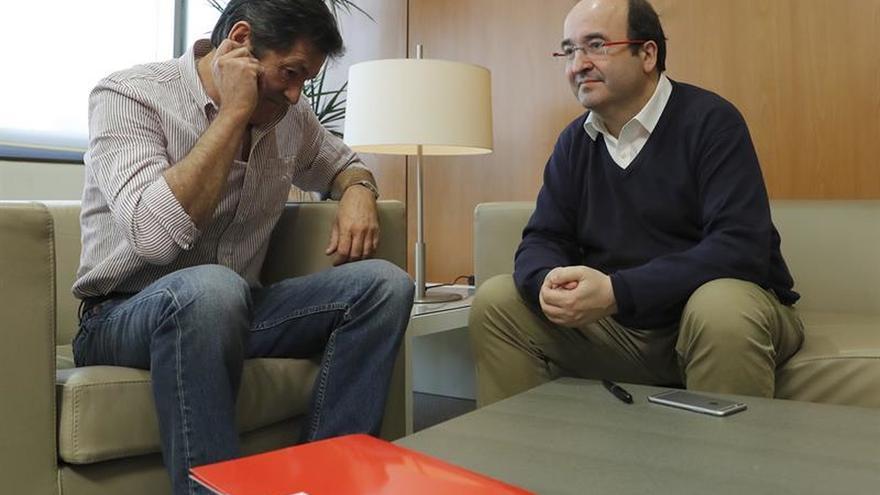 PSOE y PSC se reúnen hoy en busca de un acuerdo que cierre su crisis