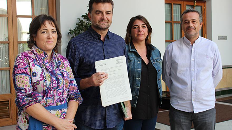 Registro de la proposición de ley de IU.