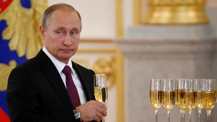 Putin repite como la persona más poderosa del mundo en 2016, según Forbes