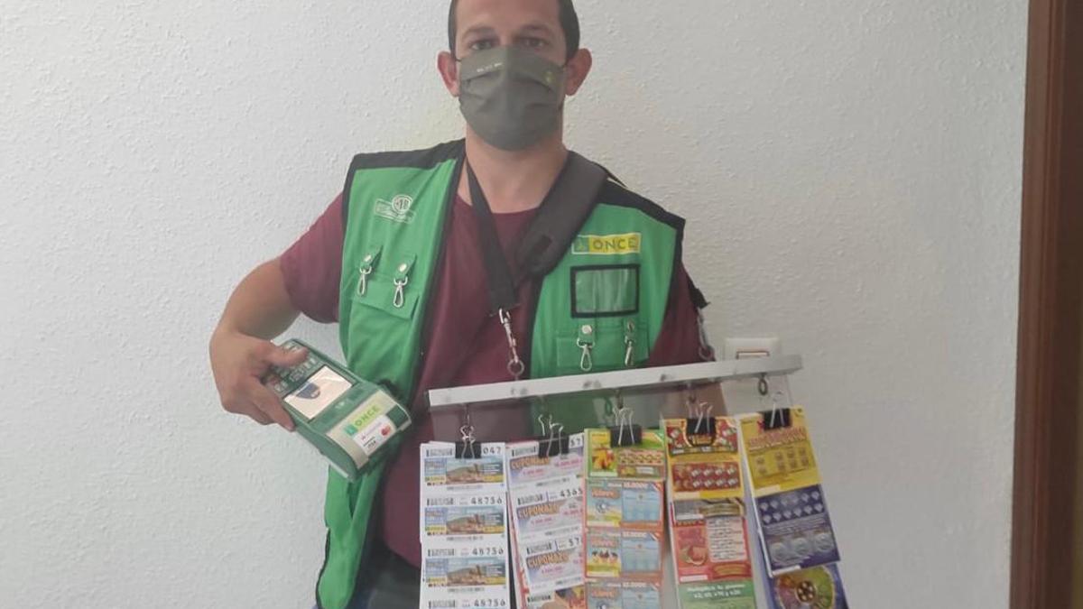 El vendedor de la ONCE en Fernán Núñez