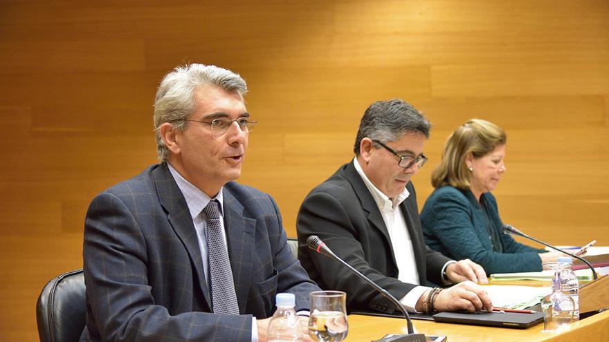 Lorenzo Cotino durante la comparecencia de candidatos al Consejo de Transparencia