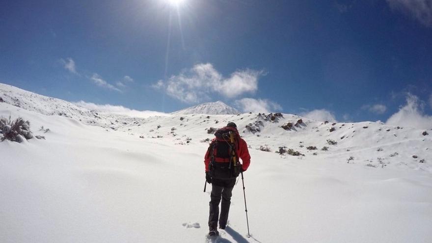 Un montañero el pasado domingo en el Parque Nacional del Teide / Pedro Millán