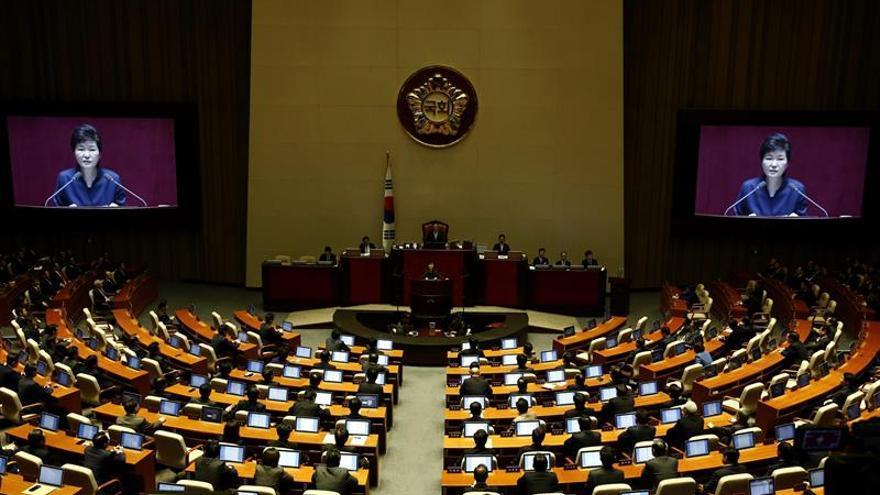 Corea del Sur veta intercambios con el Norte por ensayo nuclear y de misiles