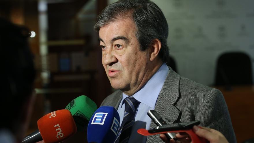 La presidenta del PP asturiano elogia la labor de Cascos impulsando las principales infraestructuras de la CCAA