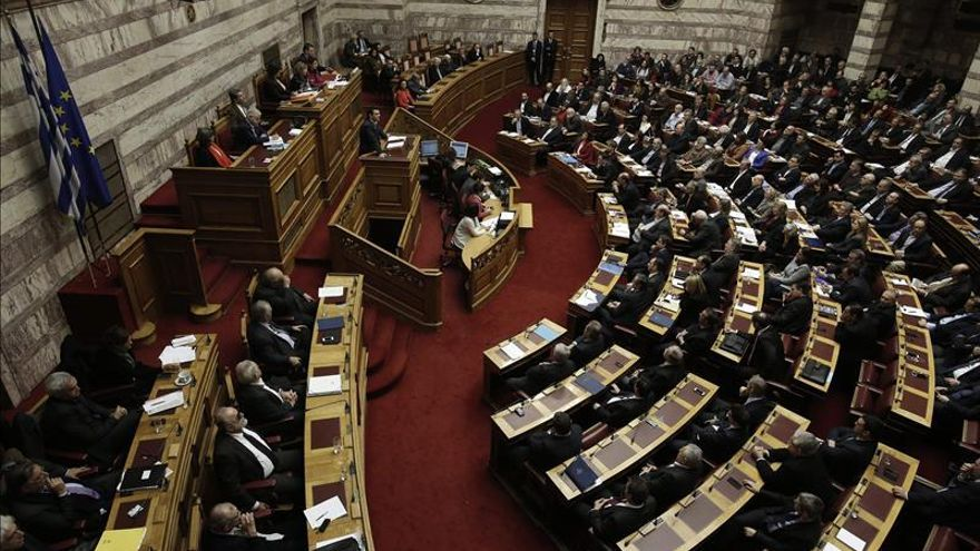 El Gobierno griego pide el respaldo a los diputados y advierte de elecciones