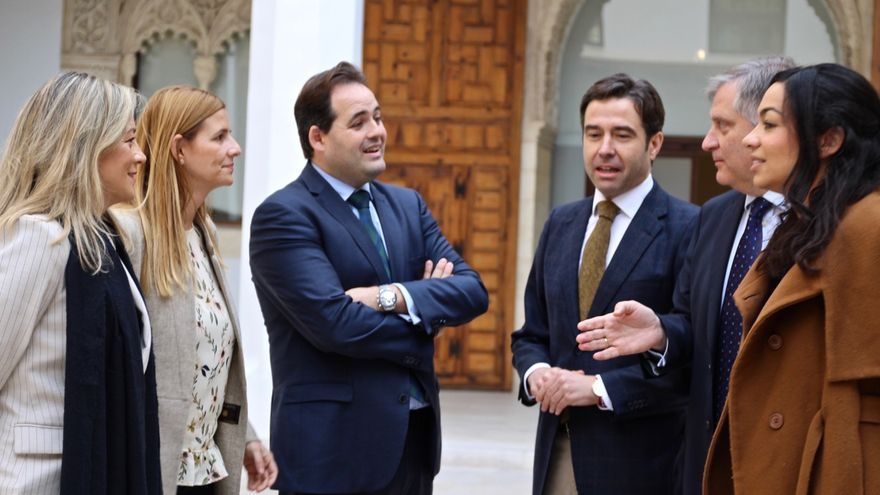 Núñez y su equipo, hoy en el Palacio de Fuensalida (Toledo)