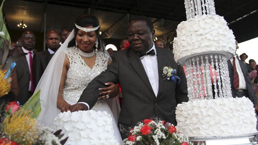 El primer ministro de Zimbabue se casa pese a la prohibición de los tribunales
