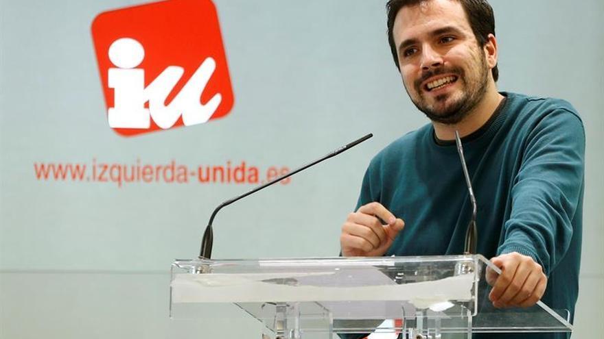 Garzón advierte a Sánchez que no apoyará de ninguna forma un acuerdo PSOE-C's