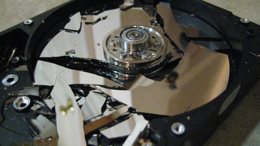 Cada unidad de disco duro se compone de uno o más platos magnéticos que se desgastan con el uso