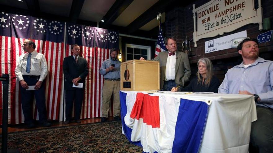 Abren los primeros centros de votación en las elecciones de Estados Unidos