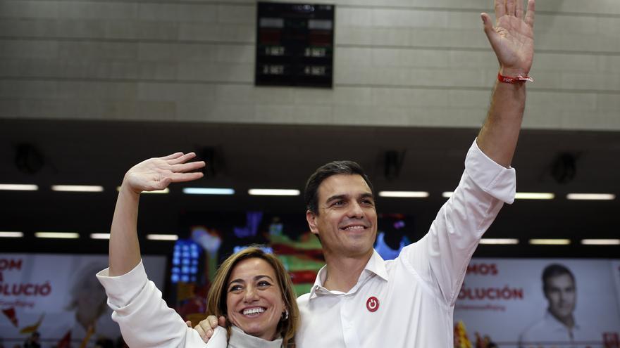 Carme Chacón y Pedro Sánchez, en la campaña del 20D.
