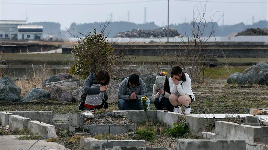 Japón conmemora el quinto aniversario del tsunami con un minuto de silencio