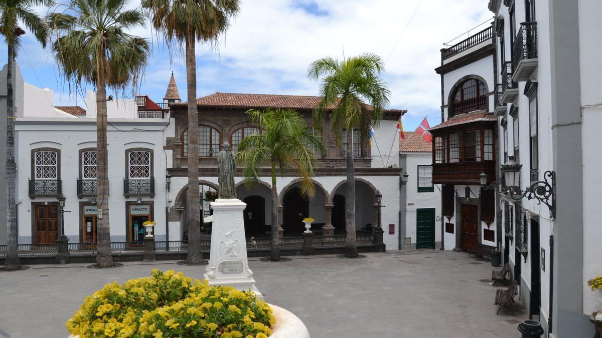 Ayuntamiento y Plaza de España de Santa Cruz de La Palma.