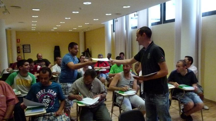 Taller de inserción laboral para la comunidad gitana de Unión Romaní Andalucía