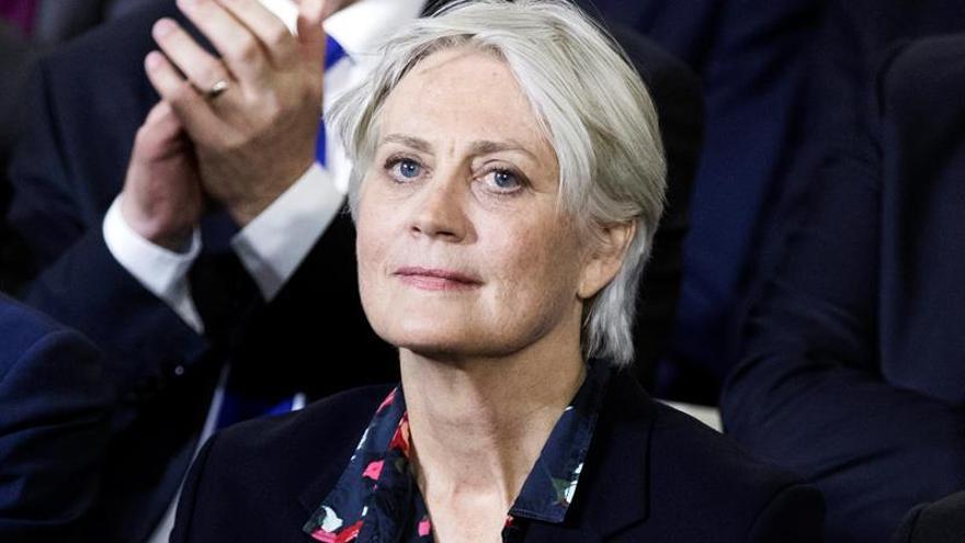 La mujer de Fillon fue contratada 4 años antes de lo anunciado, según la prensa