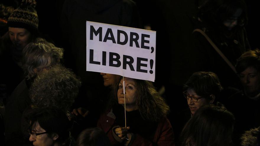 Cientos de personas rechazaron ante la sede Justicia el anteproyecto impulsado por el ministro Gallardón / Olmo Calvo