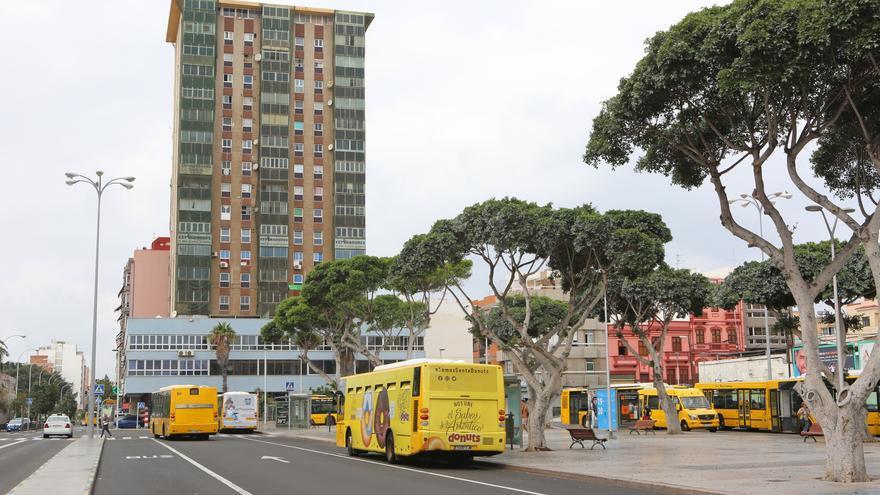 Guaguas Municipales en la Plaza Manuel Becerra