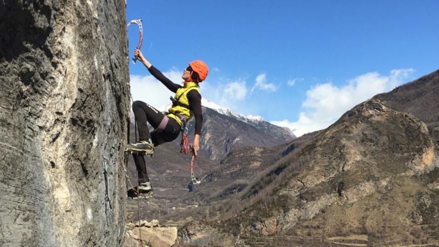 Resultado de imagen para alpinismo femenino nieve