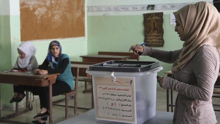 Un líder islamista teme fraude en las elecciones parlamentarias de Jordania