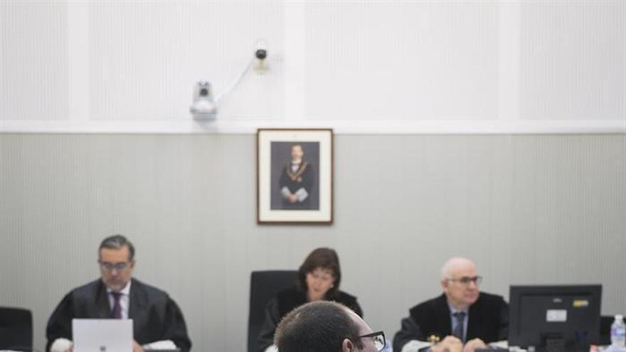 El fiscal rebaja de 24 a 16 años petición de cárcel a etarra por zulo en Navarra