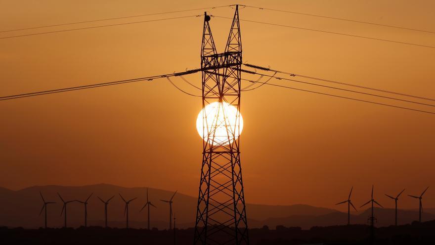 La luz alcanza mañana su precio máximo en un junio de elevados precios