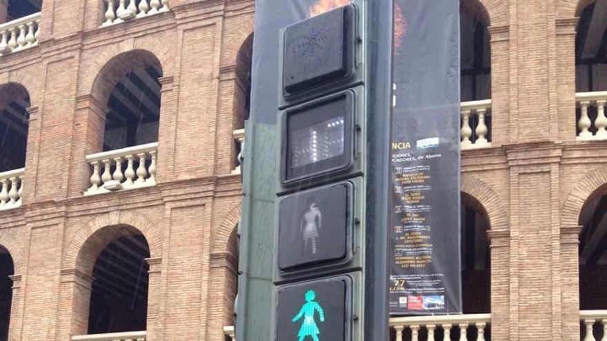 El nuevo semáforo con silueta de mujer