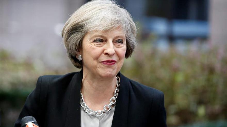 """Theresa May pide unidad al Reino Unido tras el """"brexit"""""""
