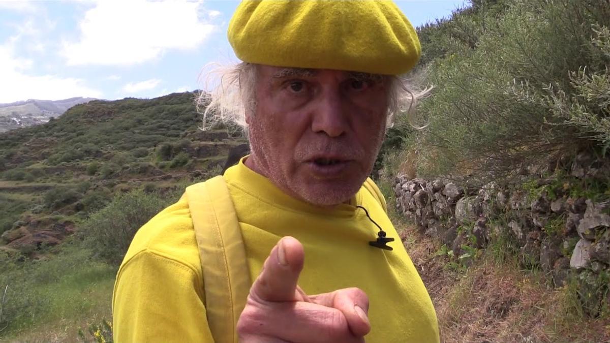 El padre Báez en una de sus apariciones televisivas