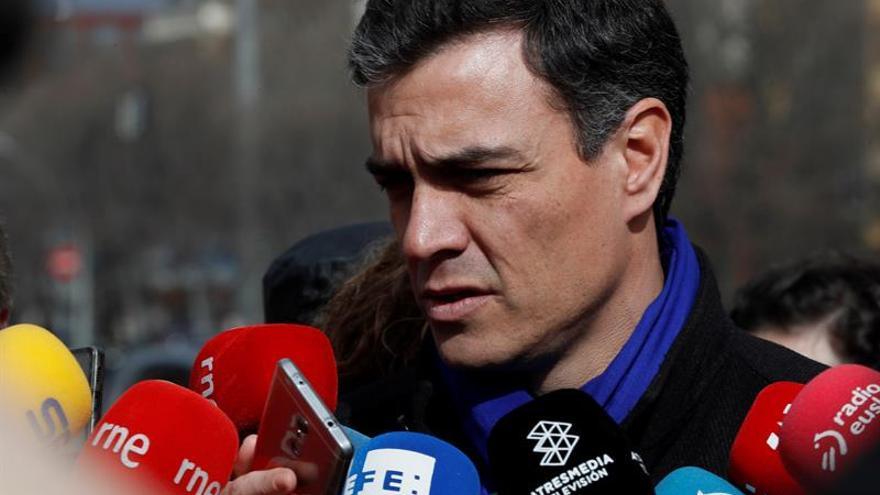 """Sánchez: """"Rajoy no propone nada, seguir como estamos, viviendo del crédito"""""""