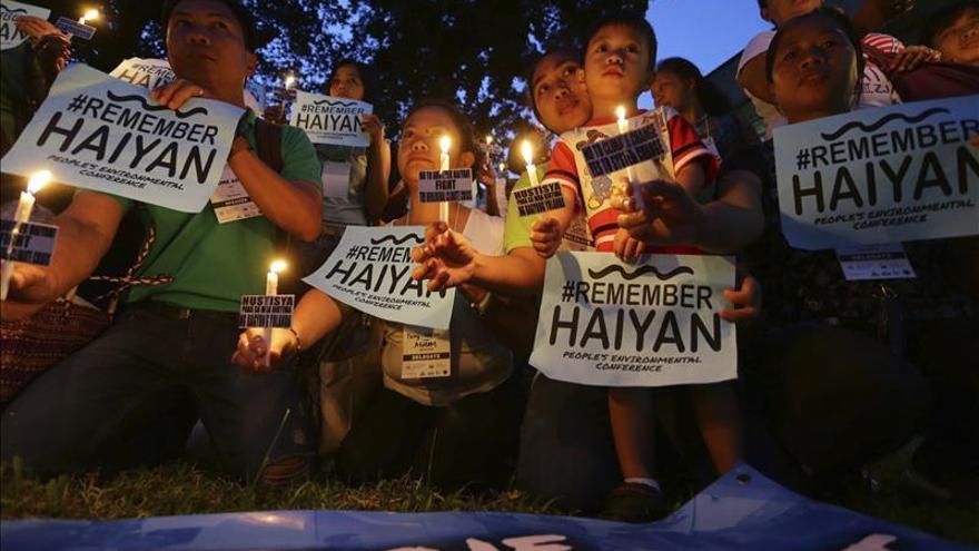La gestión del Haiyan, fuente interminable de críticas al Gobierno filipino