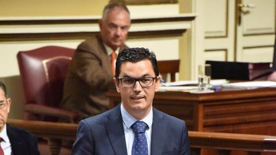 """Canarias ve """"buena voluntad"""" en el Gobierno para negociar un nuevo convenio de carreteras """"justo"""""""