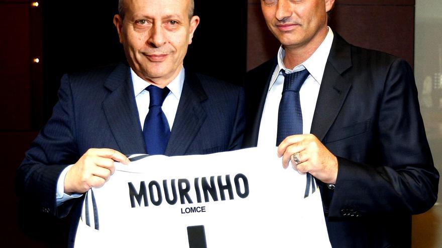 Mourinho y Wert, en la presentación de ambos como entrenador de la LOMCE.