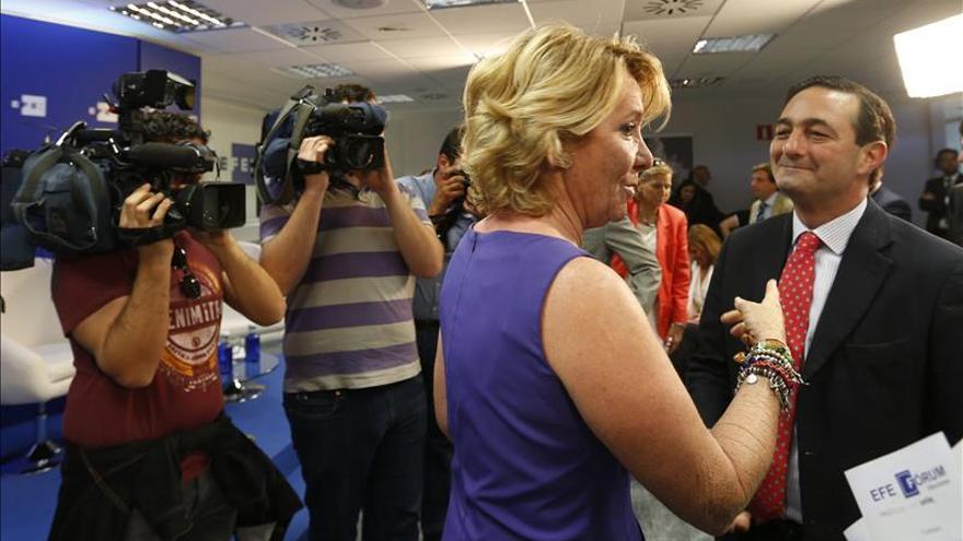 Aguirre dice sí a la web de la transparencia, no al tranvía y quizás al wifi