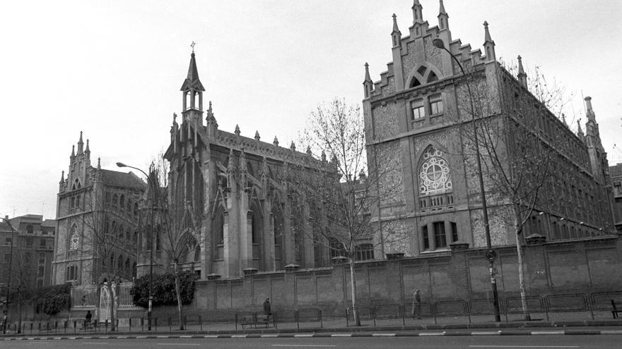 COLEGIO EL PILAR: Madrid, 14-1-1981.- Vista del colegio de Nuestra Señora del Pilar, un edificio de estilo neogótico, propiedad de la congregación marianista, que se encuentra ubicado entre las calles de Príncipe de Vergara y Castelló, en el madrileño barrio de Salamanca. Efe//ct