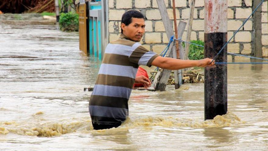 Ya son 79 los fallecidos y 43 los desaparecidos por las inundaciones en Papúa Indonesia