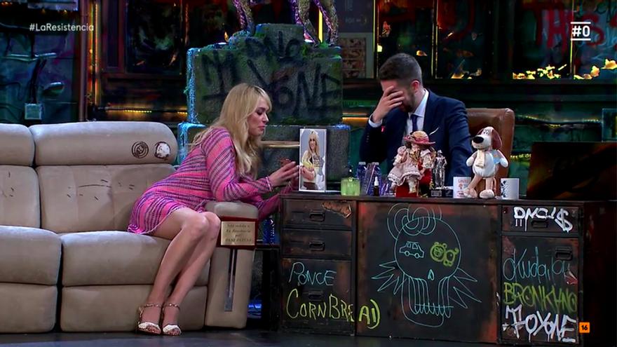 Desconcertante momento televisivo entre Broncano y Patricia Conde por un secreto compartido en directo