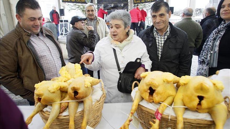 Vuelan los capones de Vilalba, protagonistas de mesas navideñas