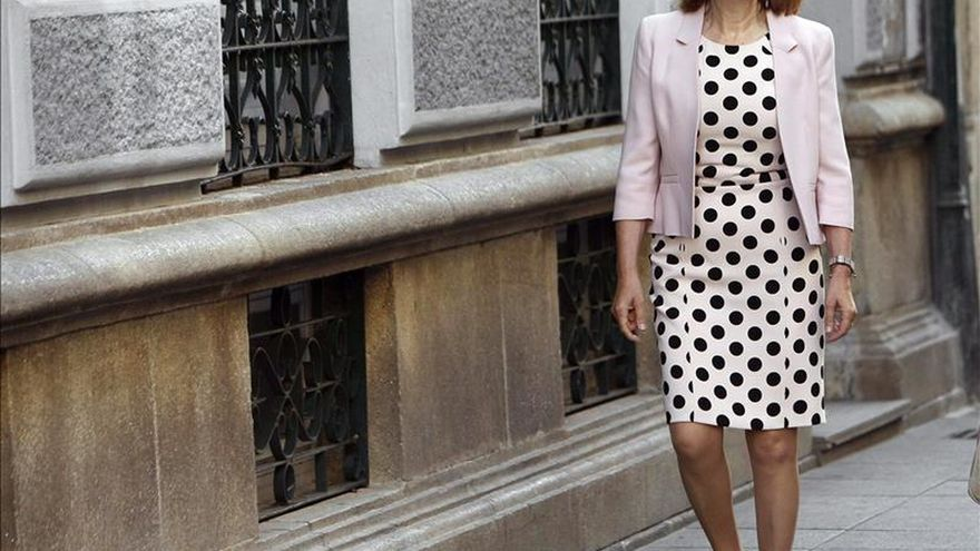 "Ana Pastor dice que el Gobierno ""estará para apoyar"" a empresas como Abengoa"