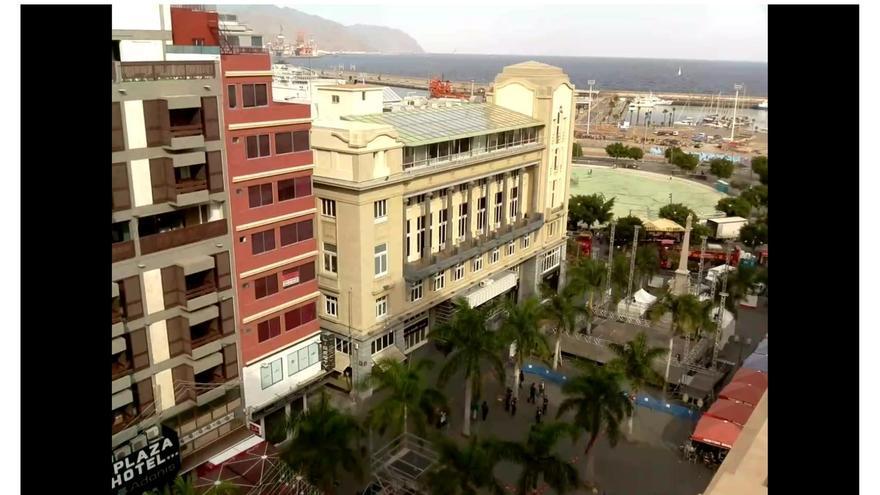 Imagen emitida por la webcam instalada en la Plaza de la Candelaria / Web de Canarylive24