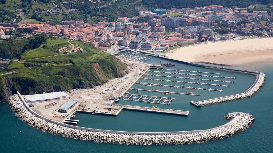 El Gobierno rescatará la concesión del puerto tras entrar la empresa Marina de Laredo en concurso de acreedores.