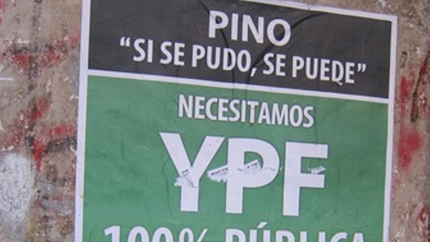 Cartel YPF En Buenos Aires (Argentina)
