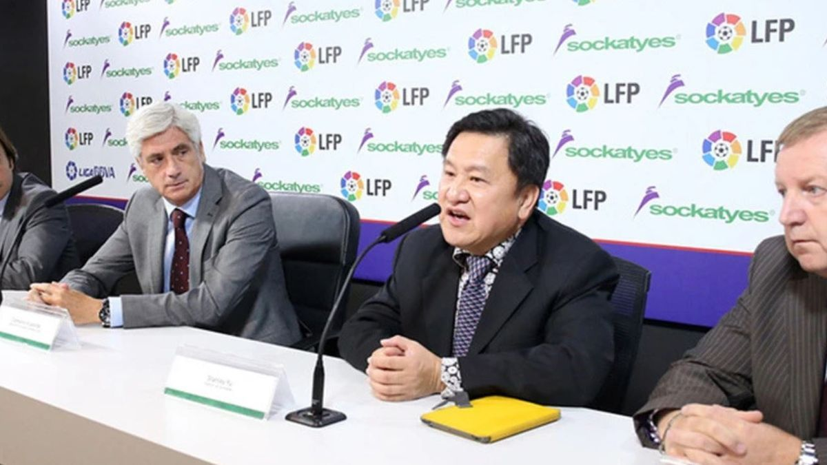 Russell Pointon y Stanley Yu, a la derecha, en un acto de La Liga.