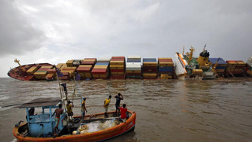 Vertido de crudo de Bombay, petrolero 'Chiltra'