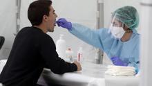 Sanidad registra 241 contagios de coronavirus en las últimas 24 horas, más de un centenar de ellos entre Aragón y Catalunya