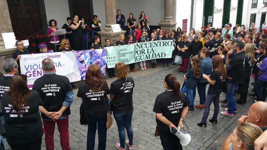 El el atrio del Ayuntamiento se leyeron los manifiestos. Foto: LUZ RODRÍGUEZ.