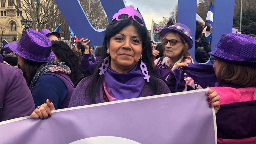 Elsa Riquelme, miembro de la Plataforma de Afectos por la Hipoteca (PAH) de Carabanchel, en la manifestación.
