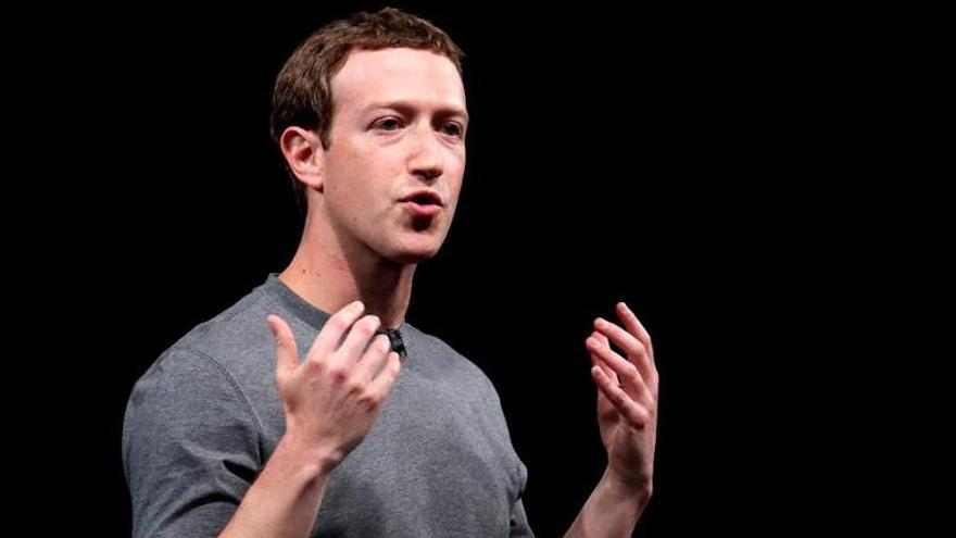 Zuckerberg defiende a Facebook de los ataques de Trump