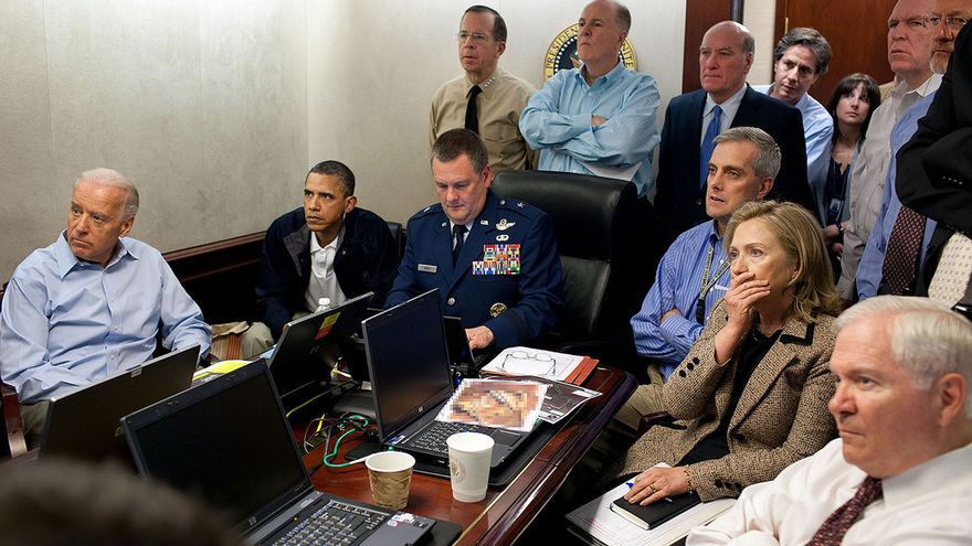 Barack Obama y Hillary Clinton durante la misión contra Osama Bin Laden. Official White House Photo