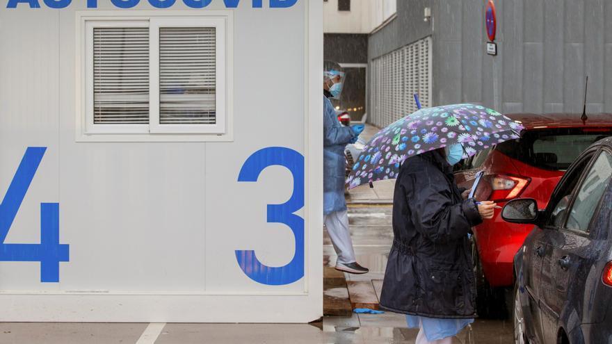 La incidencia sigue a la baja pero solo Asturias está libre de riesgo extremo